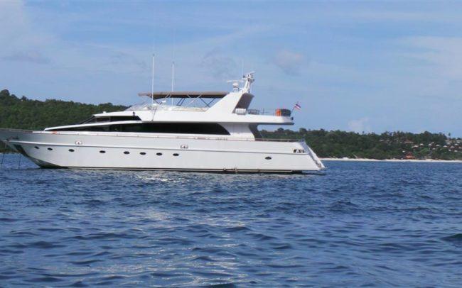 Luxury Yacht Charter in Phuket Thailand (42)